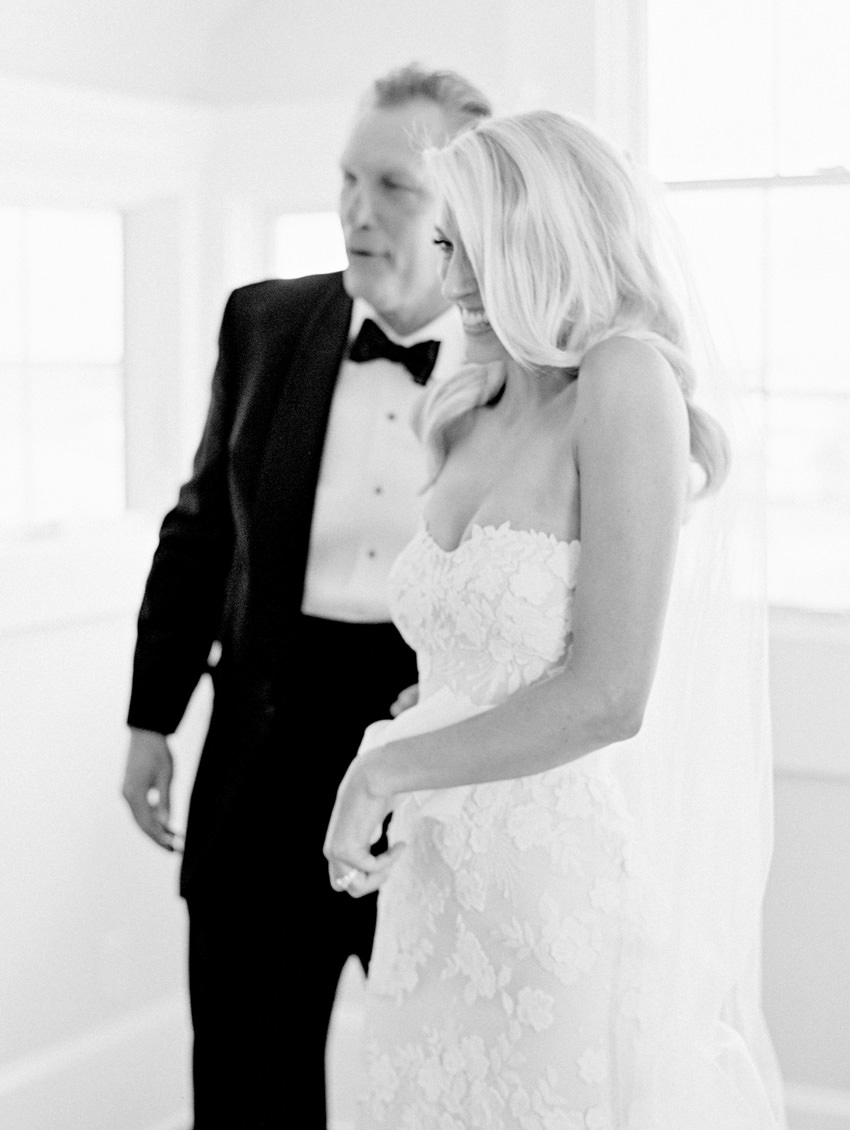 first look with dad wedding